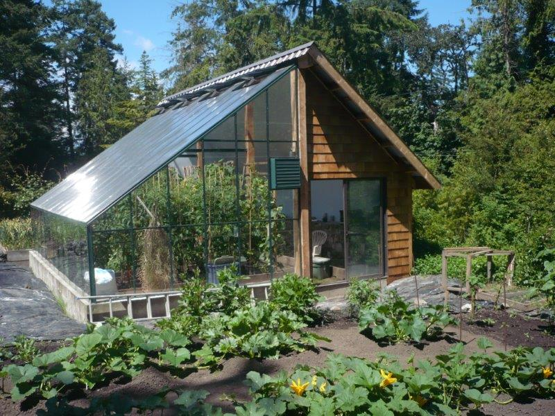 Lean-to-greenhouse